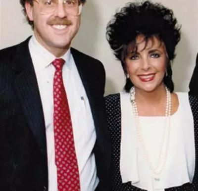 NBC:30多年来,艾滋病发生的变化
